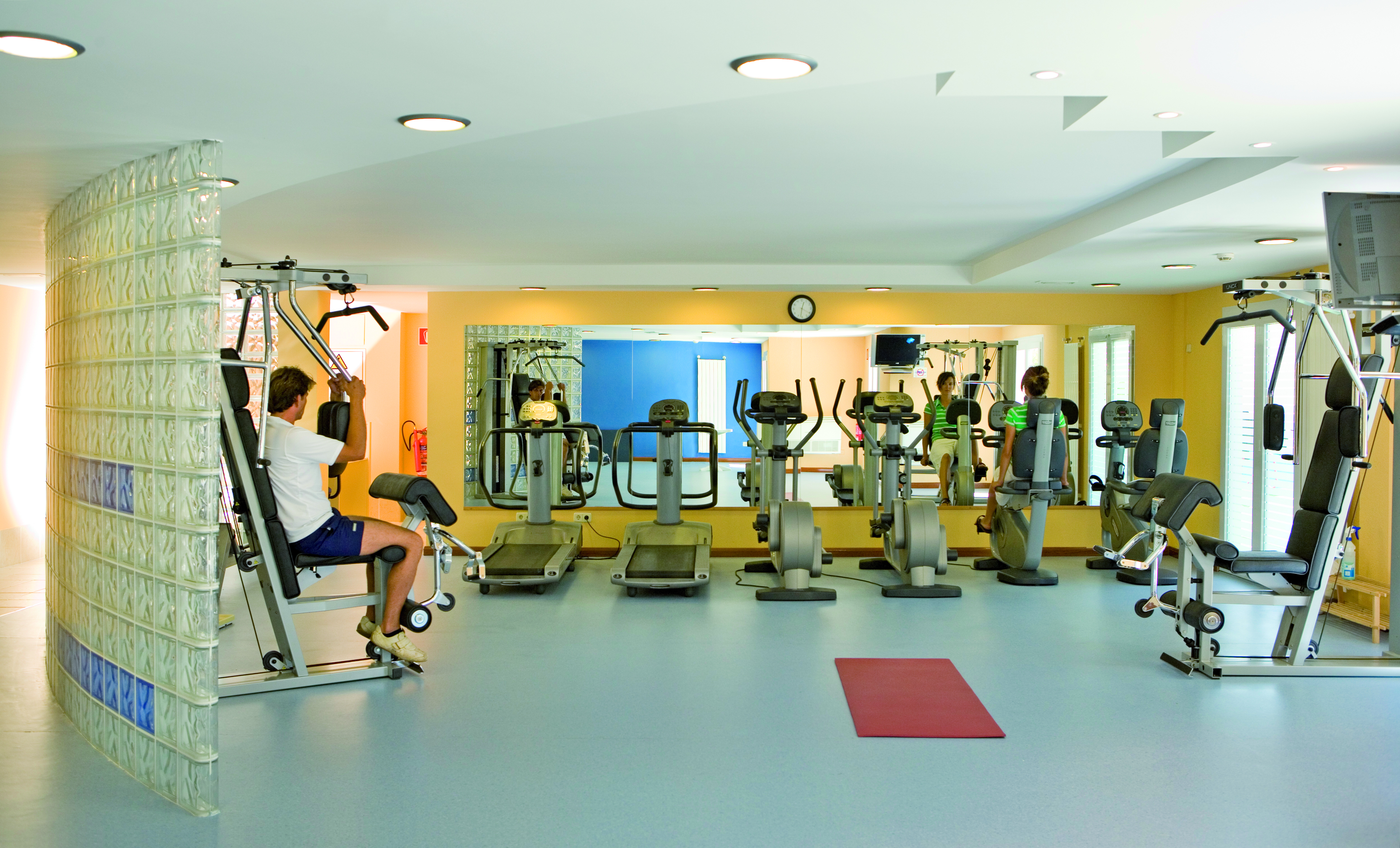 6 Universal Hotel Lido Park Fitness